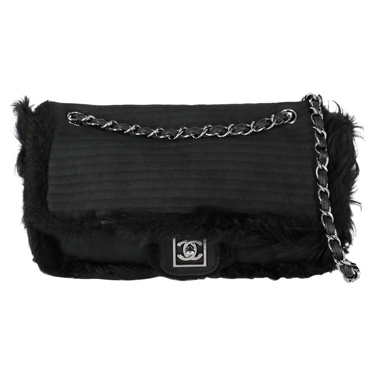 Chanel Woman Timeless Black