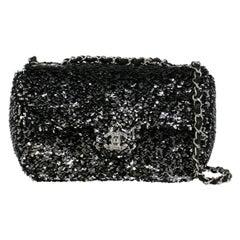 Chanel Women's Shoulder Bag Black Synthetic Fibers