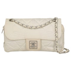 Chanel Women's Shoulder Bag White Synthetic Fibers