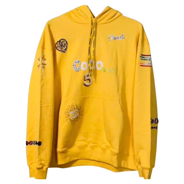 Chanel x Pharrell 2019 Chanel Appliqué Sunflower Yellow Hoodie  For Sale