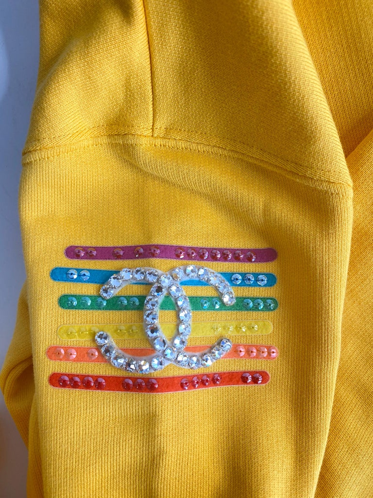 Chanel x Pharrell 2019 Chanel Appliqué Sunflower Yellow Hoodie  For Sale 6