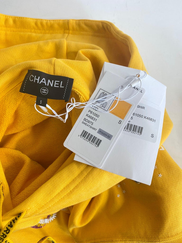 Chanel x Pharrell 2019 Chanel Appliqué Sunflower Yellow Hoodie  In New Condition For Sale In Scottsdale, AZ
