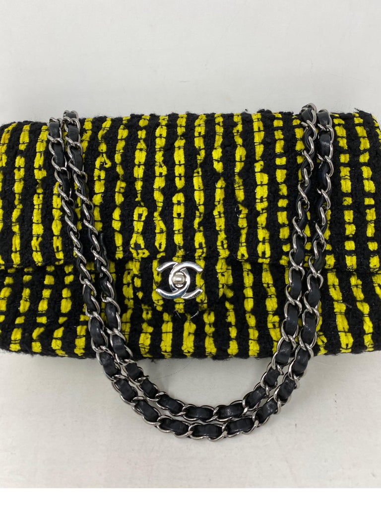 Chanel Yellow and Black Tweed Bag In Excellent Condition For Sale In Athens, GA