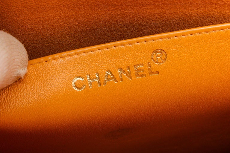 Chanel Yellow Caviar Leather Business Messenger Bag In Good Condition For Sale In Irvine, CA
