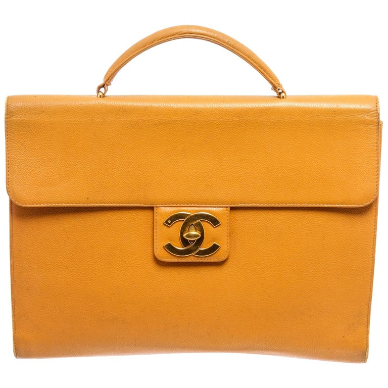 Chanel Yellow Caviar Leather Business Messenger Bag For Sale