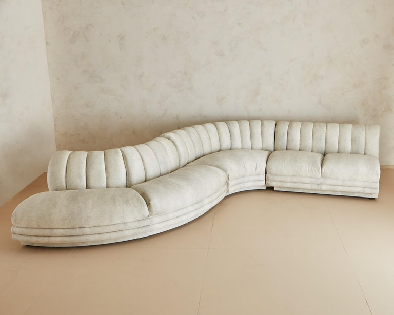 Channeled Serpentine Sectional Sofa In Good Condition For Sale In Chicago, IL