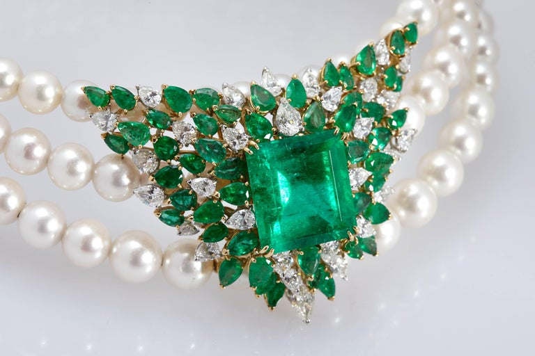 Women's Chantecler Emerald Diamonds Pearl Necklace For Sale