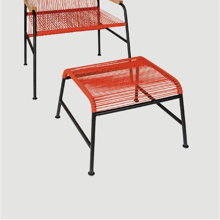 The Chapultepec collection is the reinterpretation of the furniture codes from the 1960s in Mexico, clearly the Acapulco chair; between rigor, utopia and rebellion this collection achieves a simple but dynamic design, which does not forget the needs