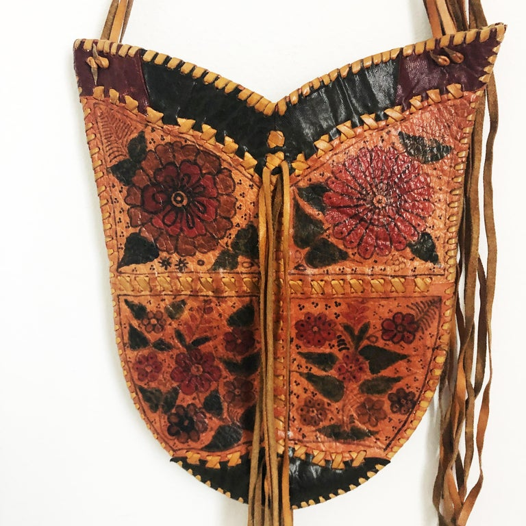 Char Leather Whipstitch Fringe Shoulder Bag Hand Painted Florals 70s Rare In Good Condition For Sale In Port Saint Lucie, FL