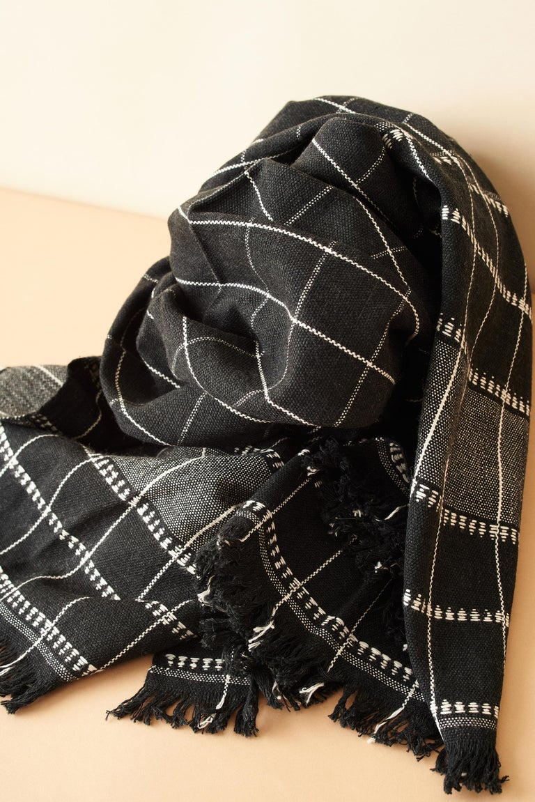 Charco Black Handloom Throw / Blanket In Organic Cotton  For Sale 3