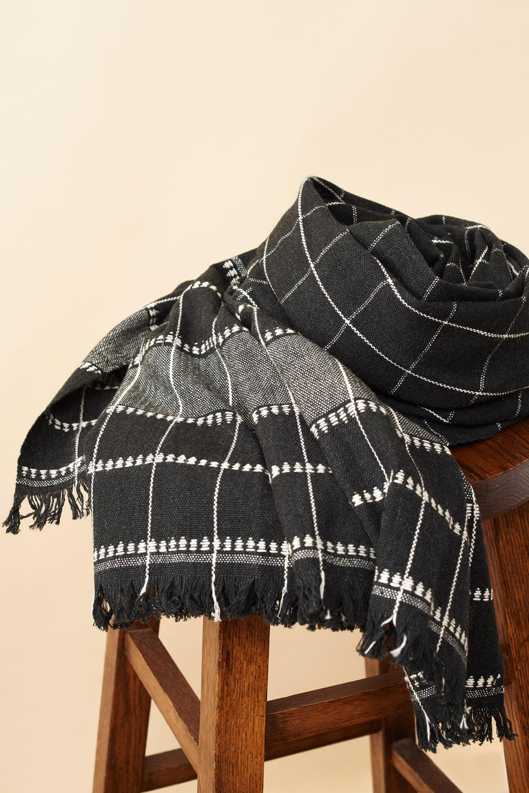 Charco Black Handloom Throw / Blanket In Organic Cotton  For Sale 4