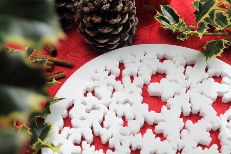 Italian Charger Plate in Absolute Crystalline White Marble Christmas Decoration For Sale