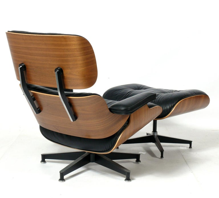 American Charles and Ray Eames 670 671 Lounge Chair and Ottoman For Sale