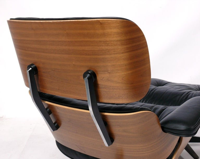 Charles and Ray Eames 670 671 Lounge Chair and Ottoman In Good Condition For Sale In Atlanta, GA