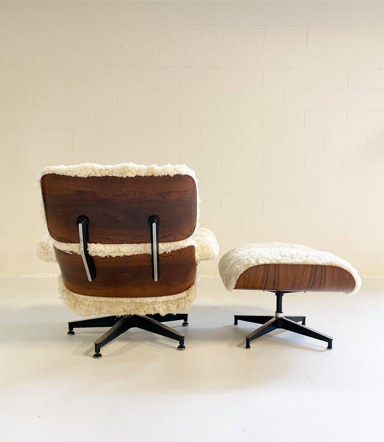 Charles and Ray Eames 670 Lounge Chair and 671 Ottoman in California Sheepskin For Sale 2