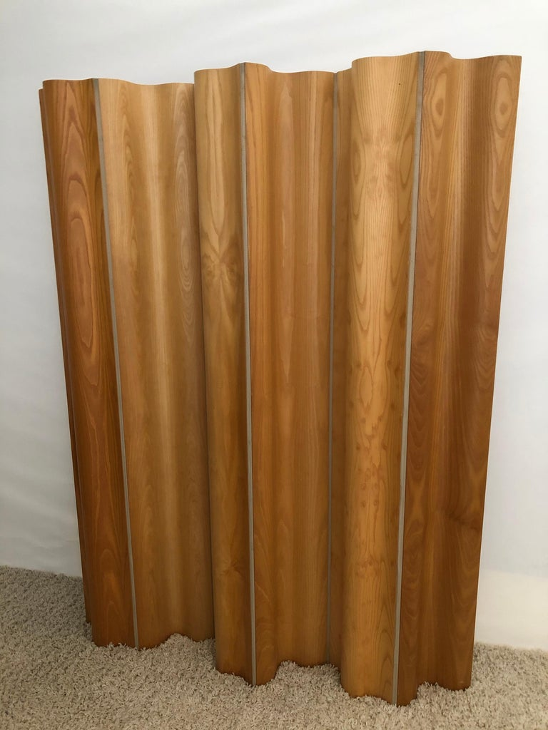 Hand-Crafted Charles and Ray Eames Ash/Birch Molded Plywood Folding Room Divider Screen For Sale