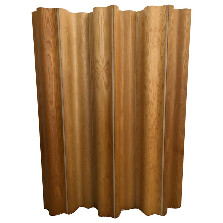 Charles and Ray Eames Ash/Birch Molded Plywood Folding Room Divider Screen For Sale