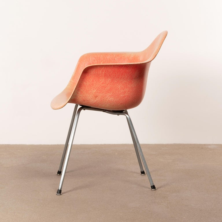 Mid-20th Century Charles and Ray Eames DAX Salmon Armchair Herman Miller 'Zenith Plastics'