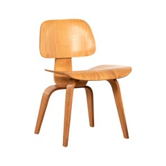 Charles and Ray Eames early DCW Ash Dining Chair for Herman Miller