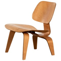 Charles and Ray Eames Early LCW Maple Lounge Chair for Evans Products, 1947