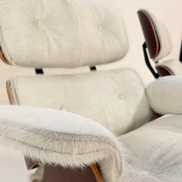 Charles and Ray Eames for Herman Miller Chairs and Ottomans Restored in Cowhide For Sale 5