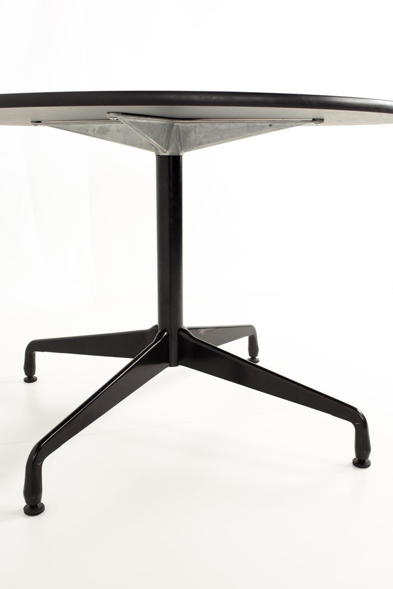 Mid-Century Modern Charles and Ray Eames for Herman Miller Aluminum Group Wood & Black Dining Table For Sale