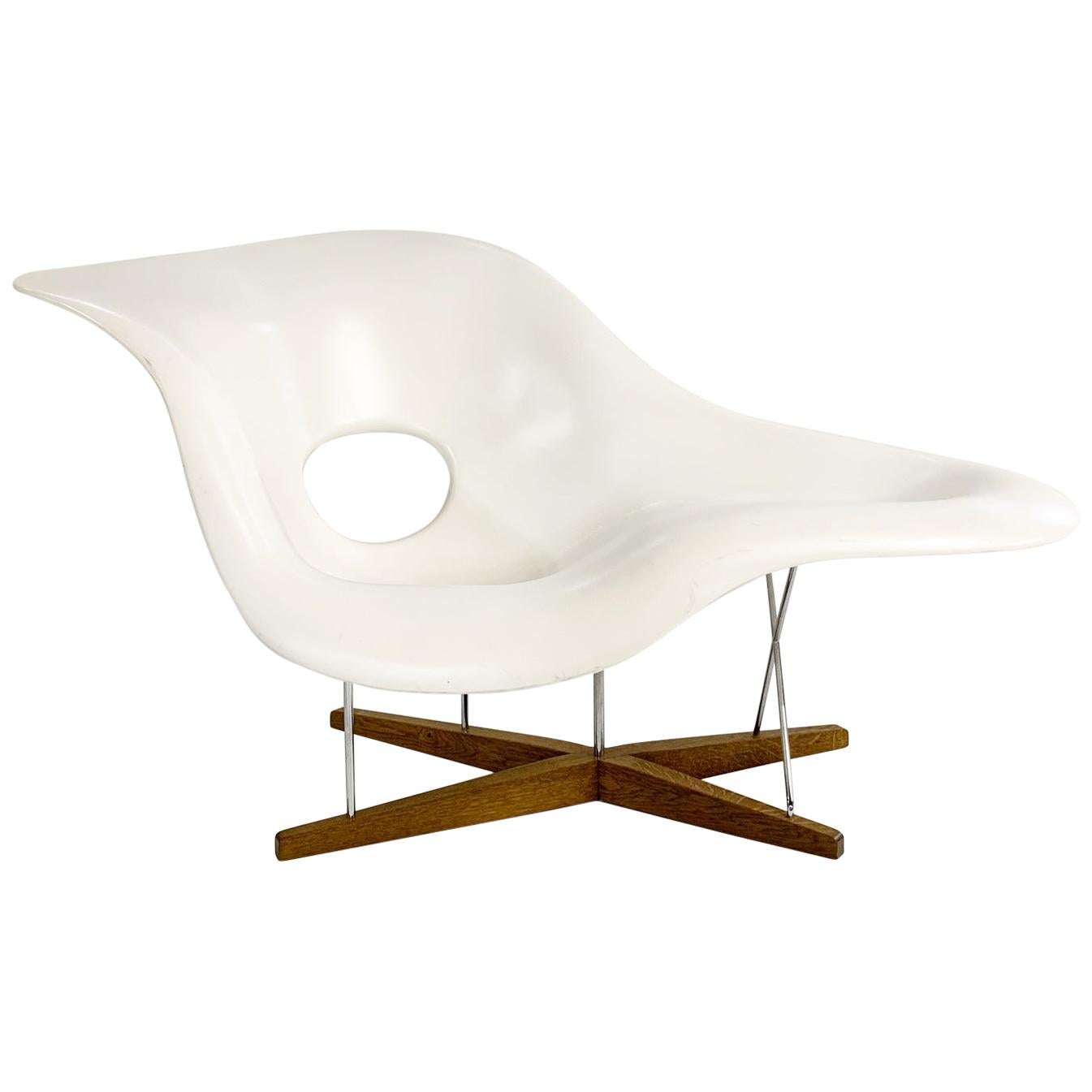 Awesome Vitra La Chaise Chair By Charles Ray Eames Pabps2019 Chair Design Images Pabps2019Com