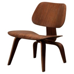 Charles and Ray Eames LCW Walnut Lounge Chair for Evans Products, 1950