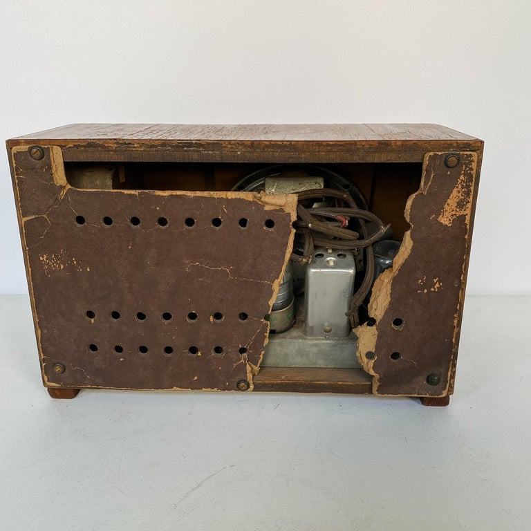 Charles and Ray Eames Molded Plywood Radio For Sale 4