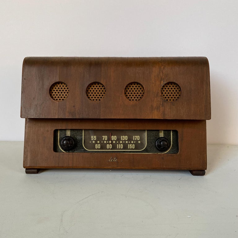 Mid-Century Modern Charles and Ray Eames Molded Plywood Radio For Sale