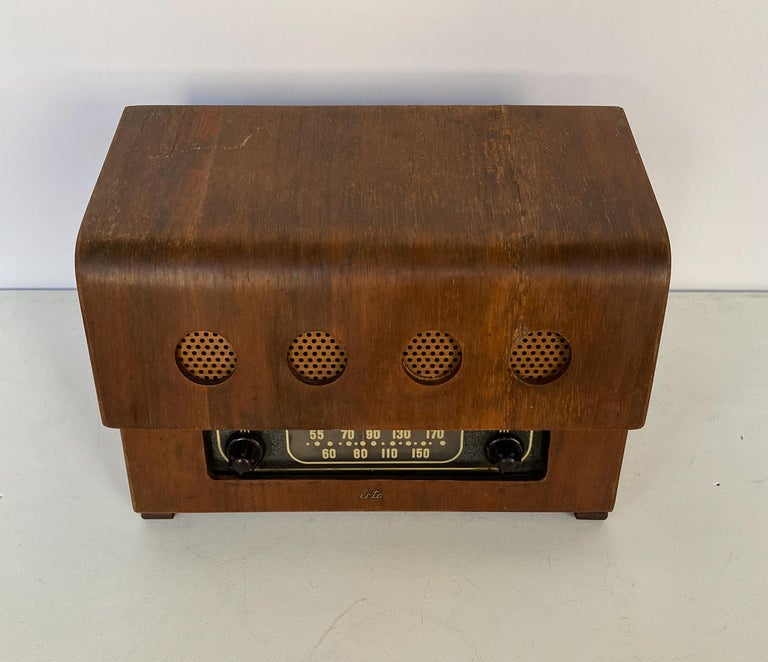 Charles and Ray Eames Molded Plywood Radio In Good Condition For Sale In New York, NY