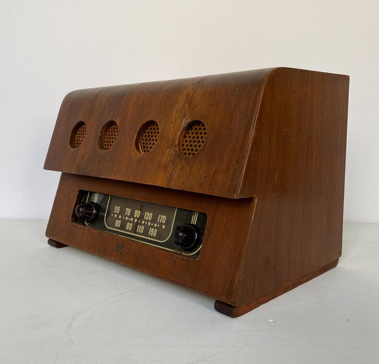 Mid-20th Century Charles and Ray Eames Molded Plywood Radio For Sale