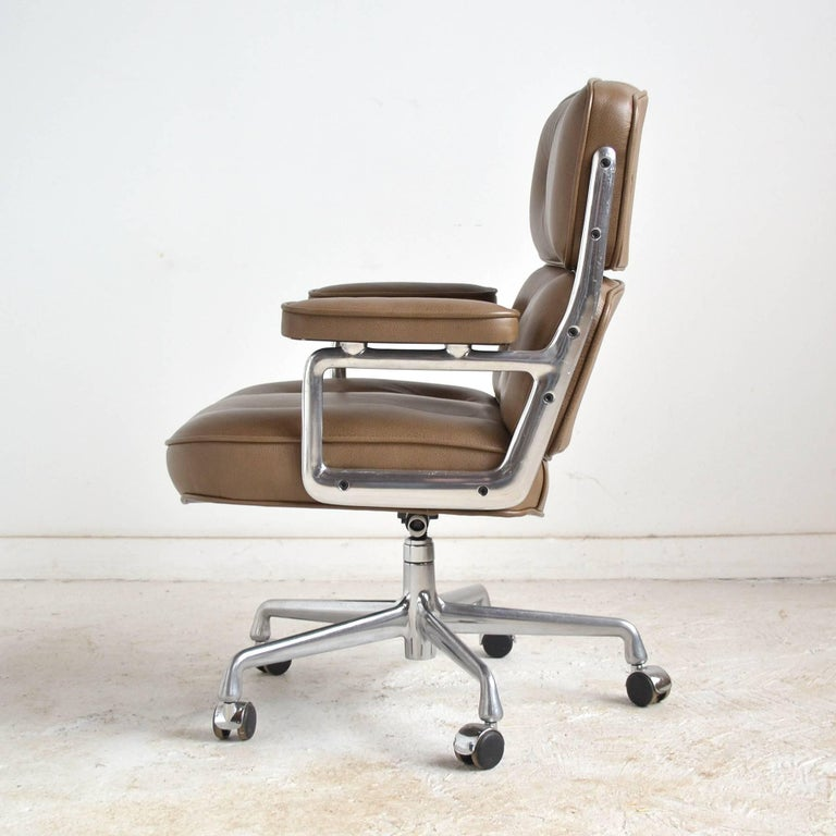 Late 20th Century Charles and Ray Eames Pair of Time-Life Chairs by Herman Miller For Sale