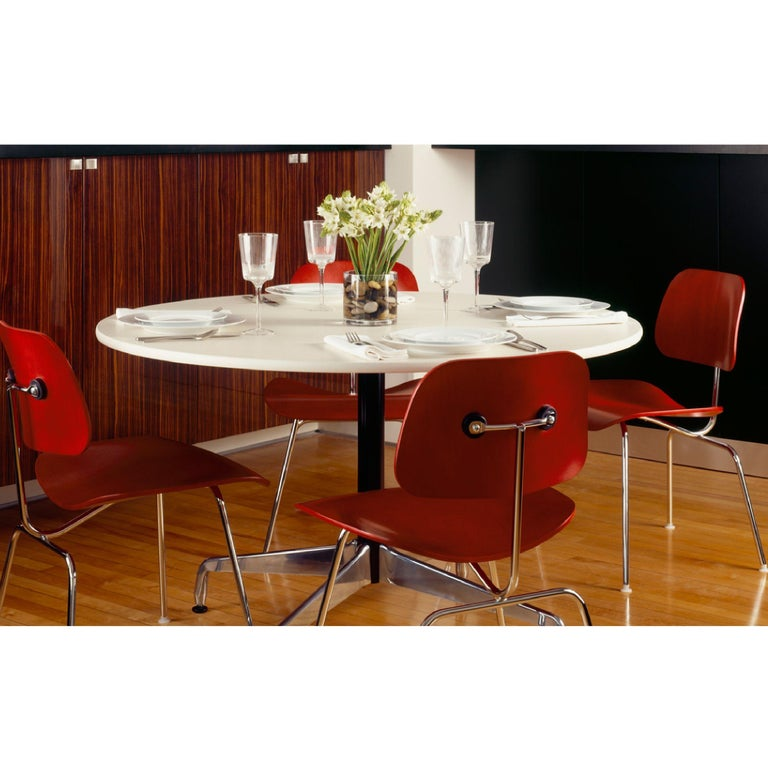 Mid-Century Modern Charles and Ray Eames Red Beech DCM Chair, Herman Miller, Dining, Side Chair For Sale