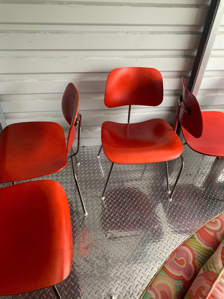Charles and Ray Eames Red Beech DCM Chair, Herman Miller, Dining, Side Chair In Good Condition For Sale In Brooklyn, NY