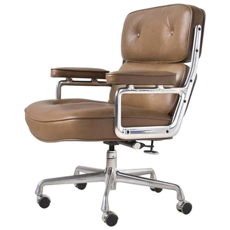 Charles and Ray Eames Time-Life Chair by Herman Miller For Sale