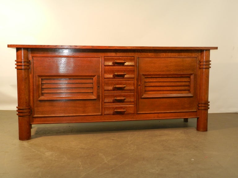 Charles Dudouyt Attributed Oak Sideboard, Edition La Gentilhommiere In Good Condition For Sale In Saint-Ouen, FR