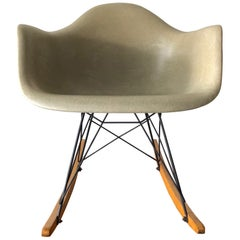 Charles Eames Classic RAR Rocking Chair Herman Miller Greige