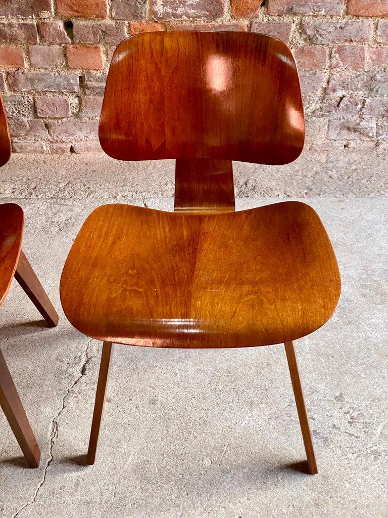 Charles Eames DCW Dining Chairs by Herman Miller, circa 1950 For Sale 3