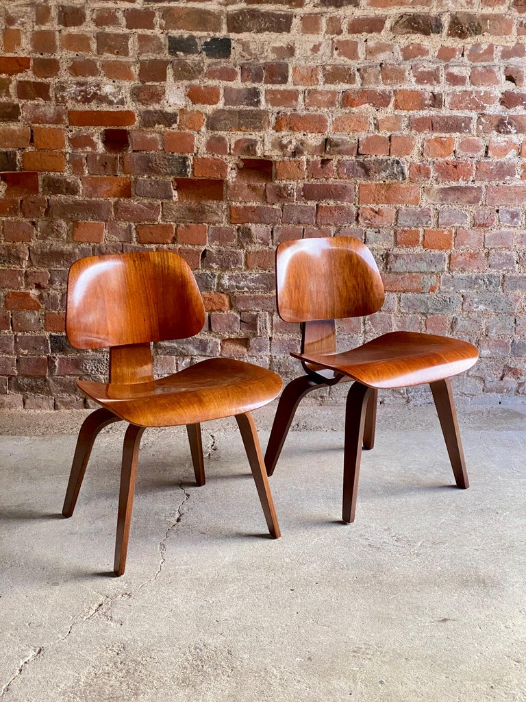 American Charles Eames DCW Dining Chairs by Herman Miller, circa 1950 For Sale