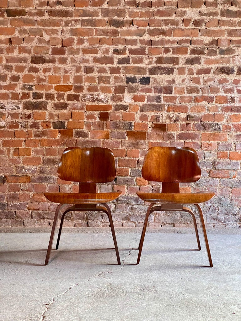 Charles Eames DCW Dining Chairs by Herman Miller, circa 1950 For Sale 2
