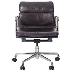 Charles Eames for Herman Miller Auburgine Soft Pad Management Chair, circa 1980