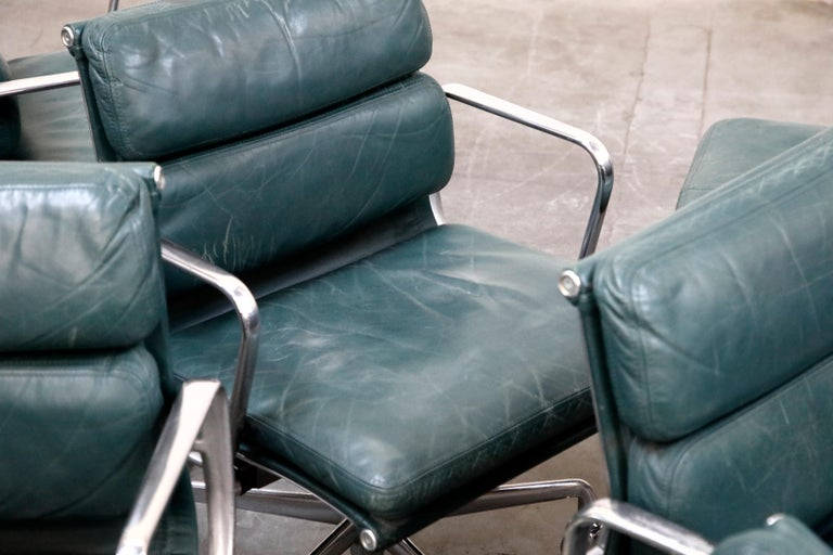 Charles Eames for Herman Miller Green Leather Soft Pad Management Chair, Signed For Sale 12