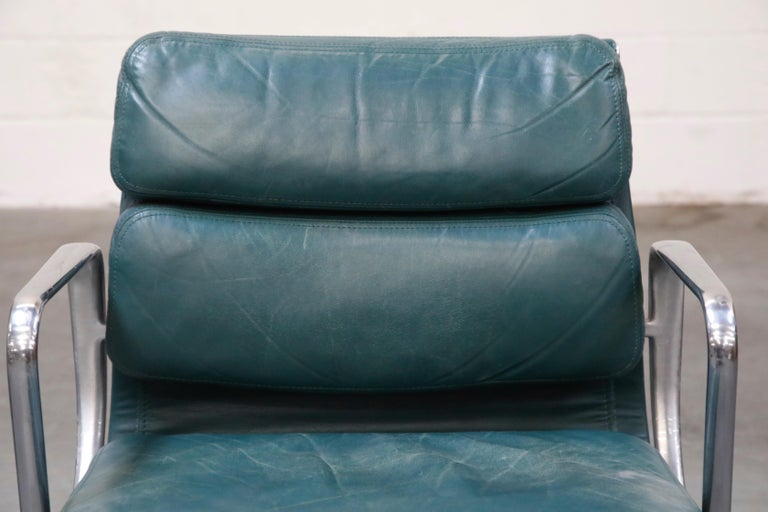 Charles Eames for Herman Miller Green Leather Soft Pad Management Chair, Signed For Sale 1