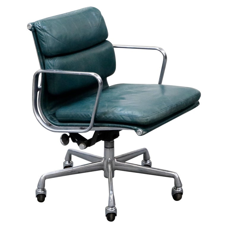 Charles Eames for Herman Miller Green Leather Soft Pad Management Chair, Signed For Sale