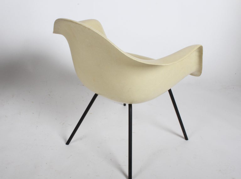 American Charles Eames for Herman Miller Low DAX Shell Armchair For Sale