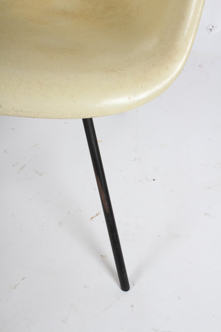 Charles Eames for Herman Miller Low DAX Shell Armchair For Sale 1