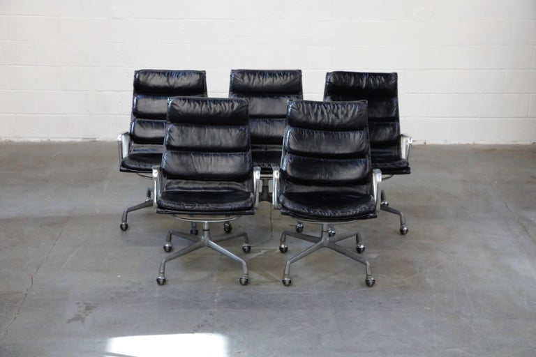 Charles Eames for Herman Miller Soft Pad Swivel Lounge Chairs, 1970s, Signed For Sale 2