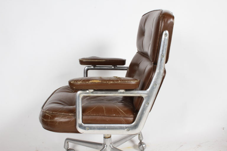 Mid-Century Modern Charles Eames for Herman Miller