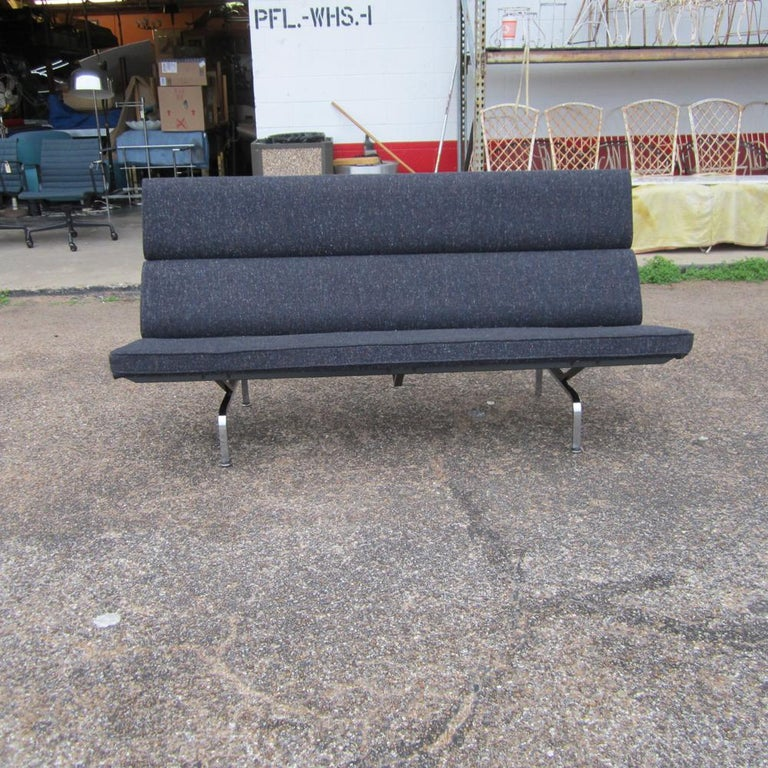 Charles Eames Herman Miller Compact Sofa In Good Condition For Sale In Pasadena, TX